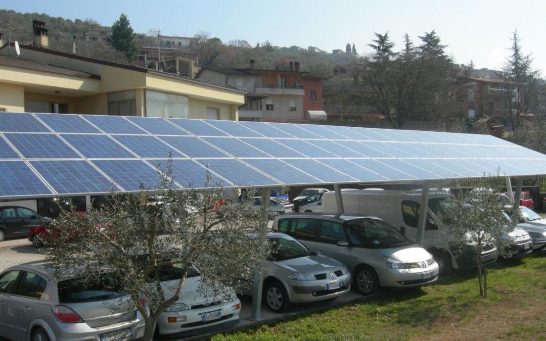 Pensilina Fotovoltaica 2 Montanti grandi dimensioni installata a Perugia